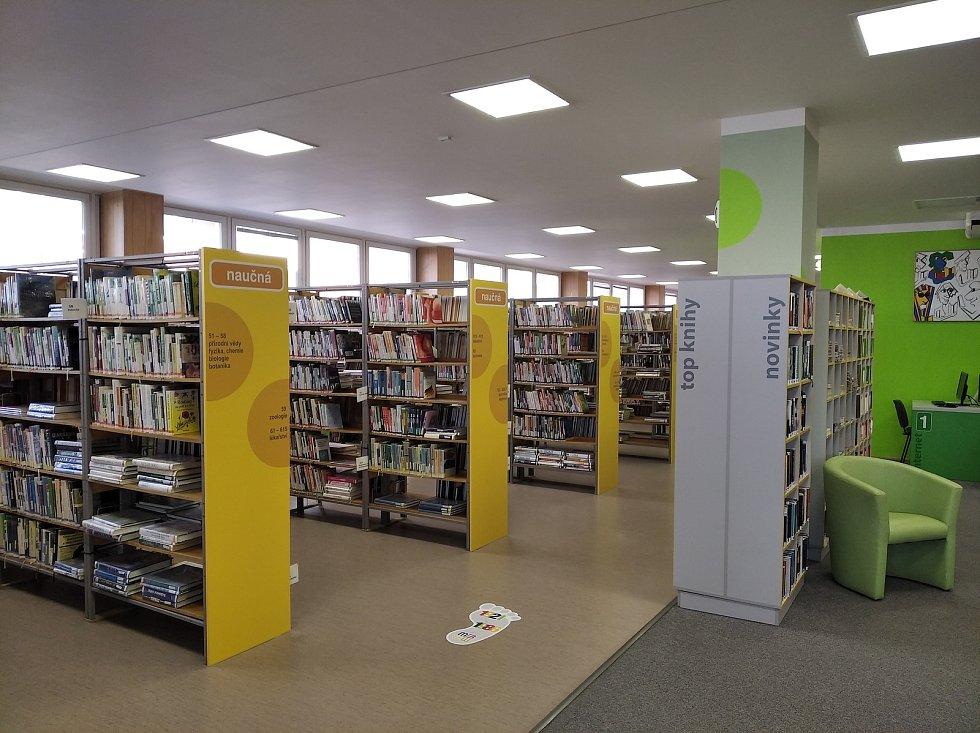 Knihovny fungují prostřednictvím výdejního okénka. FOTO: Archiv knihovny