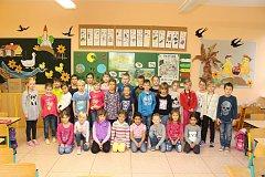 Žáci první třídy ze ZŠ Prušánky.