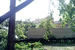 Ničivé tornádo postihlo Břeclavsko a Hodonínsko. Výrazné škody napáchalo i v samotném Hodoníně.