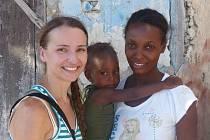 Kristýna Lungová odjela na Haiti s projektem Praga-Haiti vrtat studny.