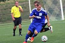 Nejen rohatecký záložník Jakub Tomšej (na snímku) musel v domácím zápase s Lednicí skousnout zbytečnou ztrátu dvou bodů.