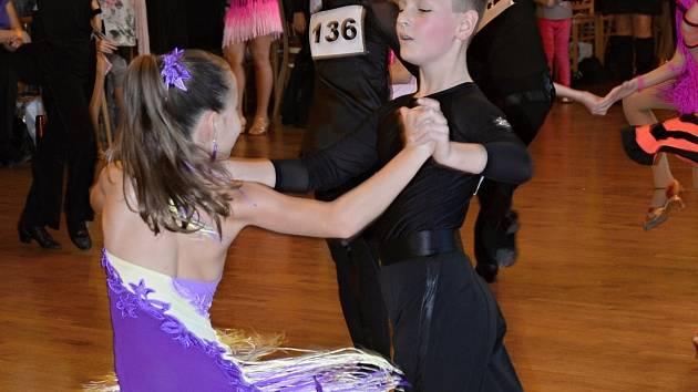 Dvojice TK Orion Petr Kolářík a Amálka Rumpíková postoupila na první letošní akci v kategorii Junior I C latina až do finále, ve kterém obsadila cenné druhé místo.