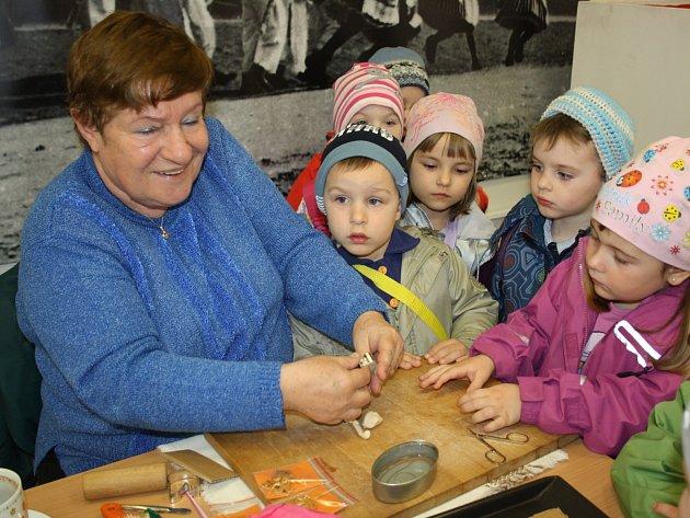 V kyjovském Vlastivědném muzeu začaly ukázky řemeslných technik na akci Velikonoce se blíží.
