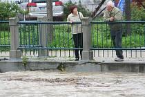 Rozvodněná řeka Morava ve Veselí nad Moravou.