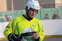 Sudoměřický hokejbalista Martin Chovanec musel stejně jako zbytek jihomoravského týmu zkousnout nečekanou domácí porážku s Rakovníkem.