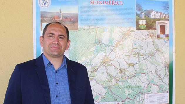 Současný starosta Sudoměřic František Mikéska.