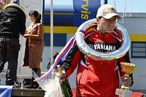 Kyjovský závodník Lukáš Blěič si ze Starého Města domů odvezl pohár za druhé a třetí místo.