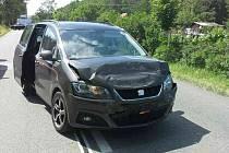 Mladá žena a tři děti skončily v nemocnici po čtvrteční odpolední nehodě dvou aut v Hodoníně.