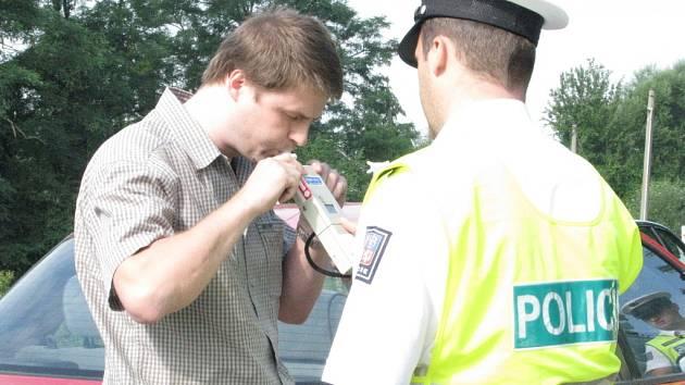 Policie opět kontrolovala řidiče.