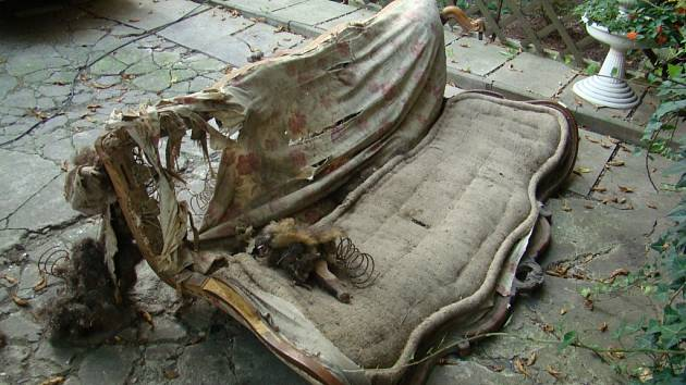 Barokní sedačka dříve.