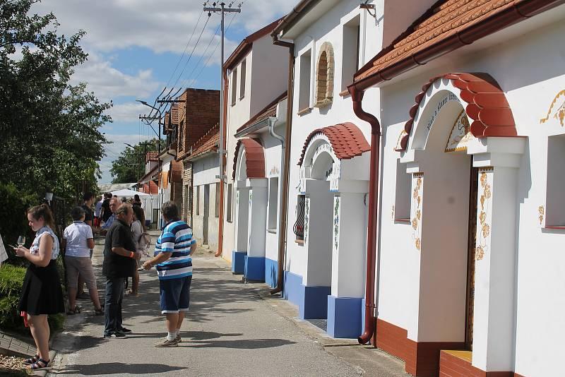 Návštěvníci si při otevřených sklepech v Terezíně vychutnávali ty nejlepší vína místních vinařů.
