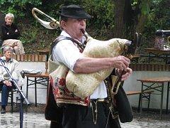 Folklorní festival Senioři 2015 v Petrově.