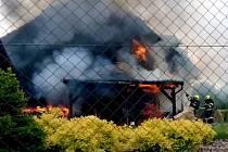 Požár pergoly a části rodinného domu ve Veselí nad Moravou.