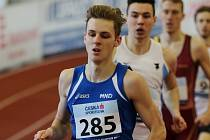 Hodonínský běžec Filip Sasínek nebyl na halovém mistrovství České republiky dorostu a juniorů zcela fit, přesto v pohodovém tempu získal v závodě na tři kilometry titul juniorského mistra České republiky.