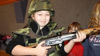 Voják chlapec z roku 2016