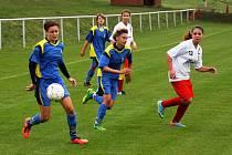 Fotbalistky Vlkoše (v modrém) porazily v sedmém kole divize C Líšeň 7:2.