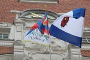 Na hodonínské radnici po třech letech zavlál tibetský prapor.