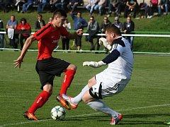 Fotbalisté Hodonína zvládli i derby ve Bzenci, kde zvítězili 4:3. Zápas vloženého 30. kola rozhodl hostující útočník Pavel Dovhanyuk.
