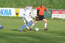 Budou veselští fotbalisté (v tmavém) předvádět tak dobrý fotbal, jako tomu bylo v jarní části sezony?