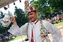 Vítěz soutěže o nejlepšího tanečníka slováckého verbuňku, který byl součástí sedmašedesátého ročníku Mezinárodního folklorního festivalu Strážnice, Martin Kobzík z Týnce.