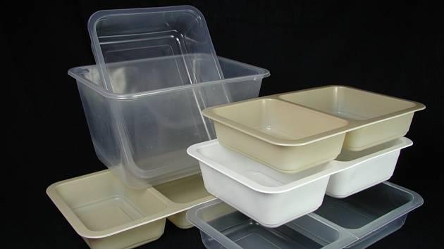 Vývoj biologicky rozložitelných misek na obědy.