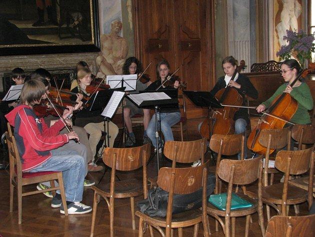 Komorní orchestr na zámku v Mikulčicích
