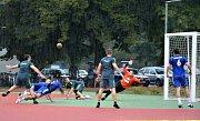 Národní házenkáři Veselí nad Moravou (šedé dresy) získali v domácím víkendovém dvojzápase dva body.