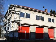 Dobrovolní hasiči z Velké nad Veličkou se letos dočkali opravy zbrojnice za čtyři miliony korun.