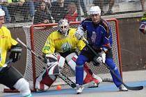 Hokejbalisté Sudoměřice budou v derby spoléhat především na brankáře Ľubora Komendu.