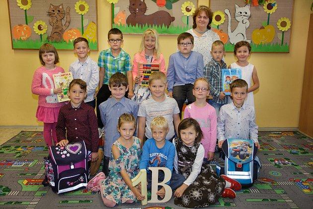 Žáky 1.B třídy Základní školy vDolních Bojanovicích učí Marta Čížková.