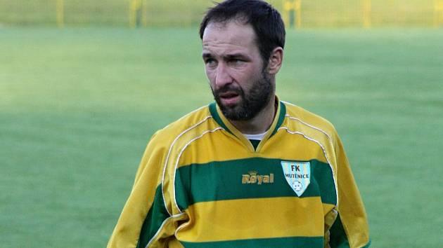 Zkušený mutěnický útočník Dalibor Koštuřík na první jarní gól stále čeká.