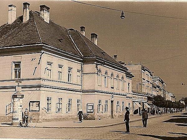 Budova starého okresního úřadu v 30. letech 20. století.
