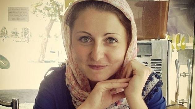Na fotografii je Katarína Išková v Íránu.