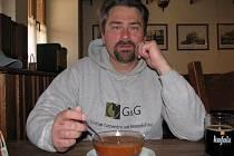 Dan Kordula si dává k obědu ratíškovický boršč.
