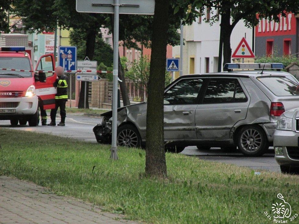 Policisté pronásledovali muže, který měl stíhat svoji bývalou ženu a údajně po ní i střílet.