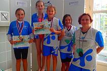 Mladé hodonínské plavkyně skončily v Prostějově druhé. Stříbro si na krk pověsily Viktorie Černá, Tereza Holíková, Karin Kubová a Karolína Vlasáková.