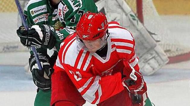Obránce Skalice Martin Vyrůbalík (vlevo) se trefil do sítě slavného Spartaku Moskva.