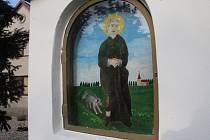 Boží muka u kaple Jana Sarkandra ve Vacenovicích.