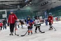 Trenér Tibor Helísek již léta koučuje děti v Hodoníně.