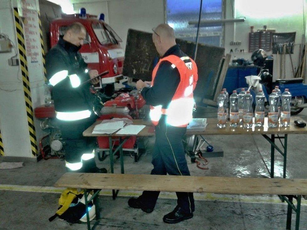 Po přívalovém dešti zasahovalo v Mutěnicích několik jednotek hasičů