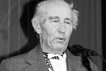 František Okénka zazpíval pevným hlasem i v jedenadevadesáti letech.