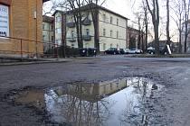 Současný stav Brněnského náměstí v Hodoníně v areálu bývalých Velkých kasáren.