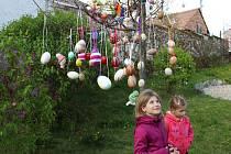 Velikonoční strom ve Starém Poddvorově.