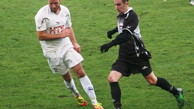 Mezi opory Bzence patří v letošním ročníku krajského přeboru i záložník Tomáš Zůbek, který si svými výkony vysloužil nominaci do amatérské reprezentace jižní Moravy.