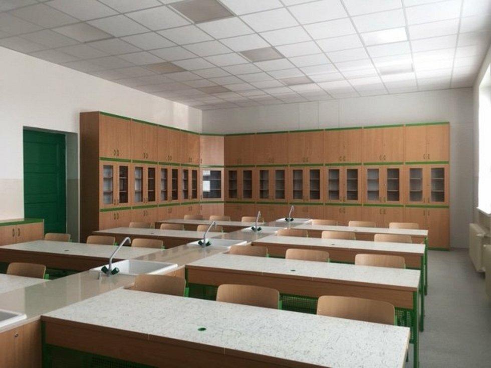 Nová učebna fyziky a chemie v Základní škole TGM Šardice. Foto: OÚ Šardice