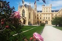Těžko na Jižní Moravě najdete romantičtější místo, než je zámek Lednice.