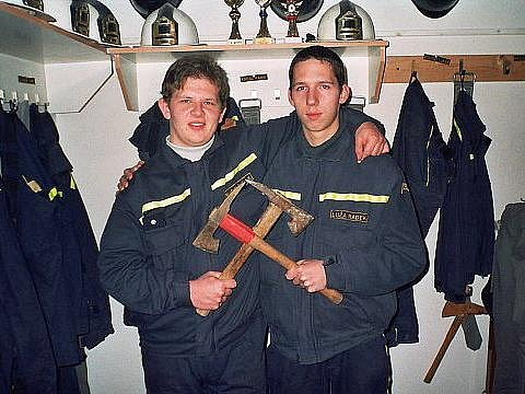 Dobrovolní hasiči zArchlebova při službě na Štědrý den.