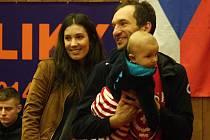 Známý český cyklista Jan Bárta si s partnerkou Šárkou a půlročním synem Tomášem užívá zasloužené volno.
