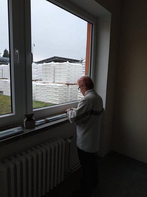 Živnostník Zdeněk Baláž využívá své zkušenost pro péči ookna zákazníků a jejich doplňky.