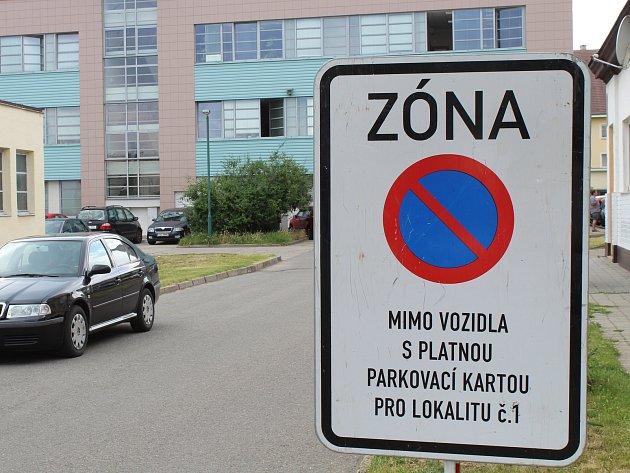 Systém rezidentního parkování v centru Hodonína. Ilustrační foto.